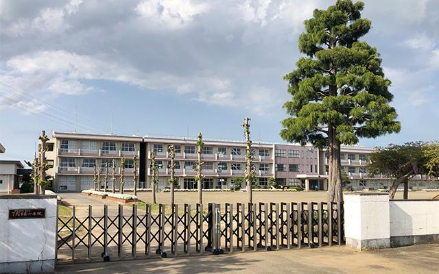下稲吉中学校