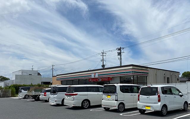 セブンイレブン小竹局入口店